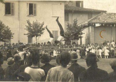 Esibizione in paese (anni '20)