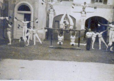 I primi ginnasti (1907)